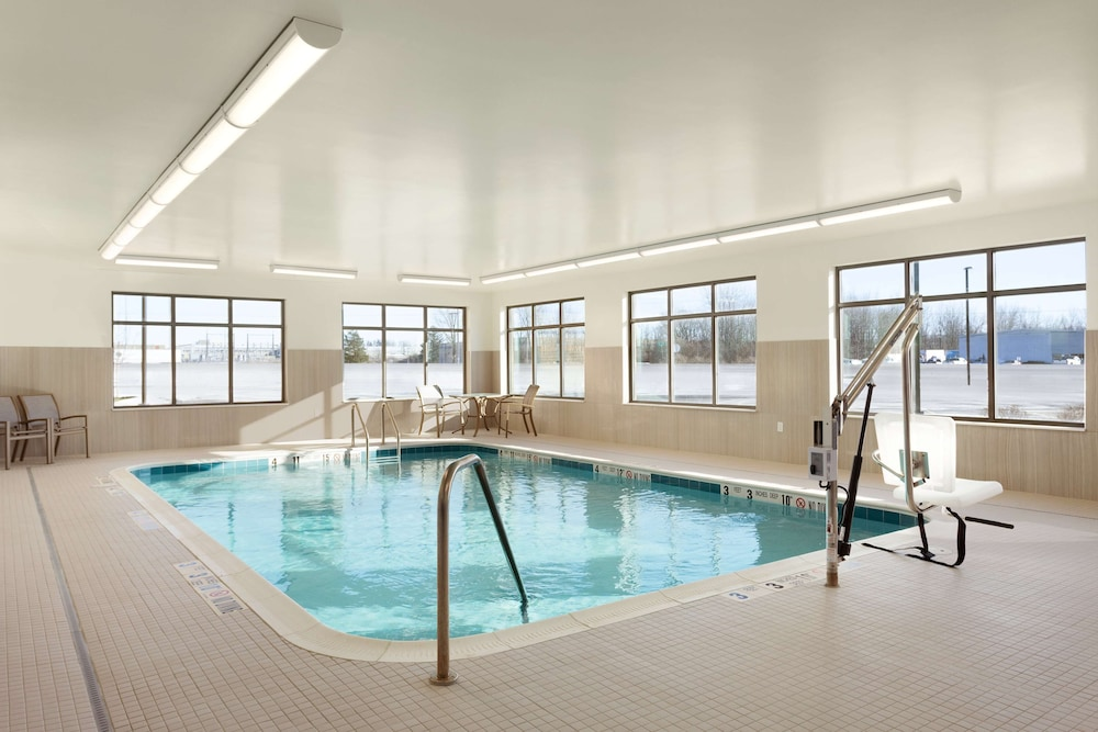 Pool, Homewood Suites by Hilton Syracuse - Carrier Circle