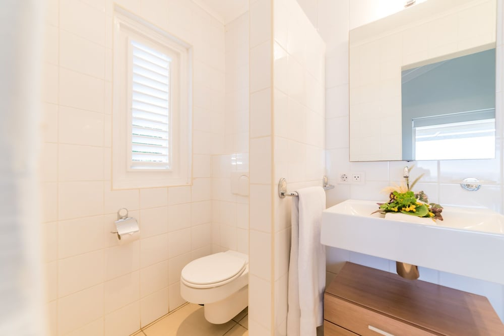 Bathroom, Coral Estate Rentals