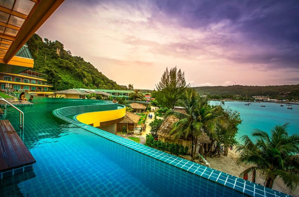 Phi Cliff Beach Resort