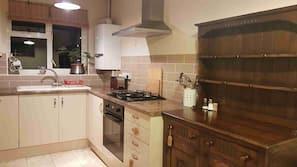 Oven, stovetop, dishwasher, coffee/tea maker