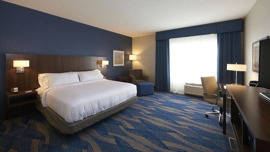 Holiday Inn Express & Suites St John's Airport, an IHG Hotel