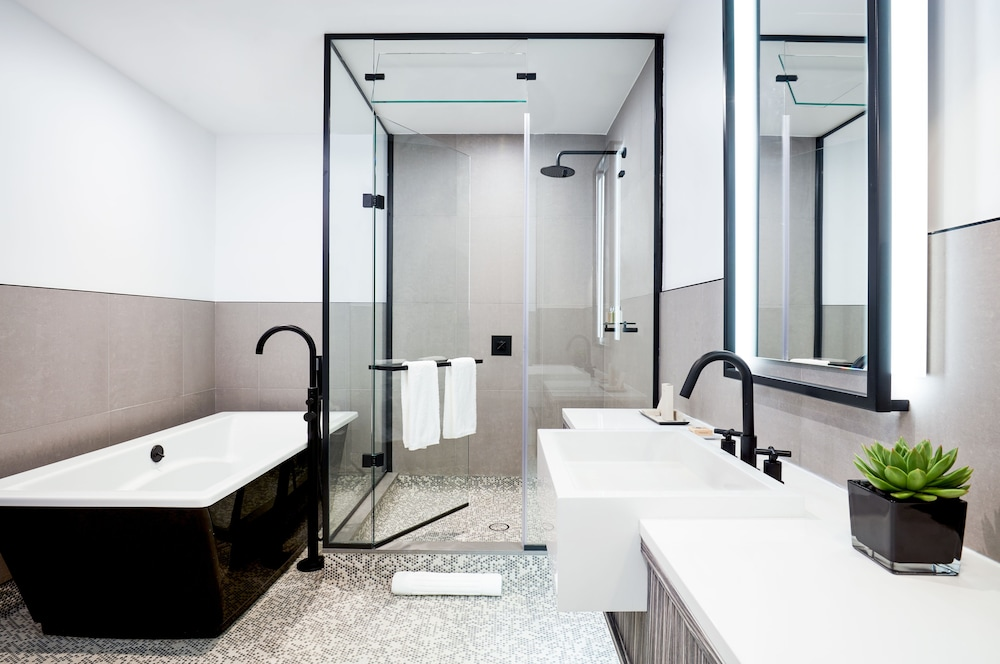 The william vale hotel in new york hotel rates reviews for Salle de bain design luxe