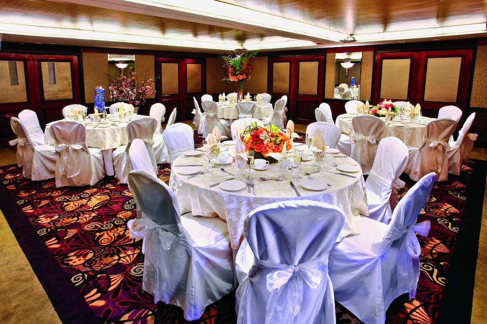 Banquet Hall, Inn at Great Neck, BW Premier Collection