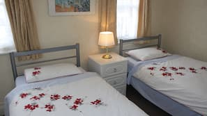 Blackout curtains, free cots/infant beds, free WiFi, bed sheets