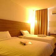 The Leverage Business Hotel Mergong