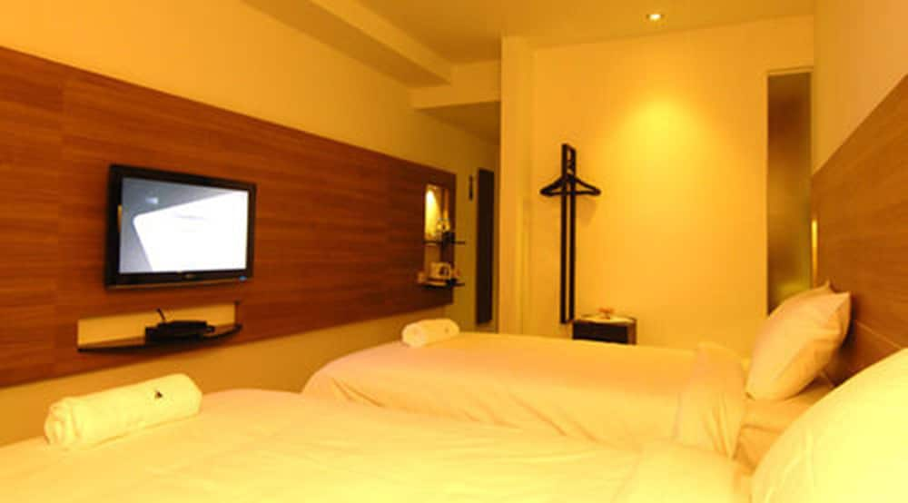 Book The Leverage Business Hotel Mergong