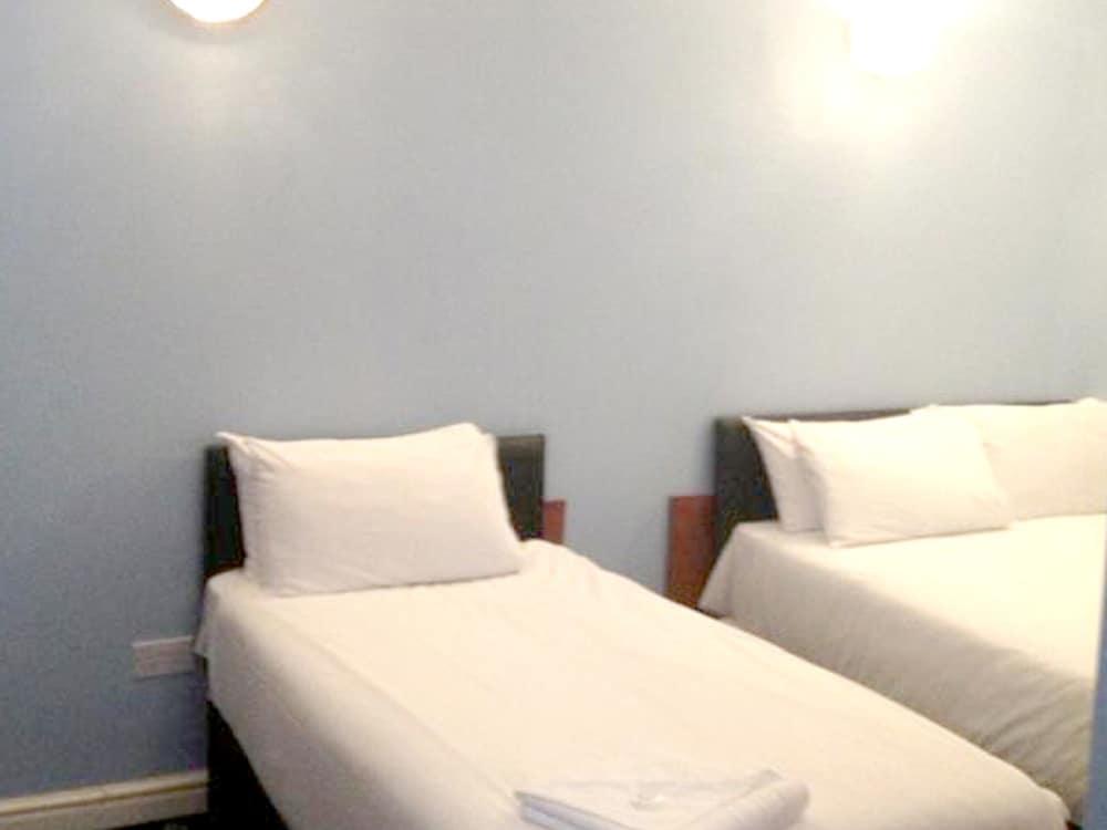 Hartley Room Booking