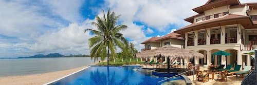 Sara Beachfront Boutique Resort