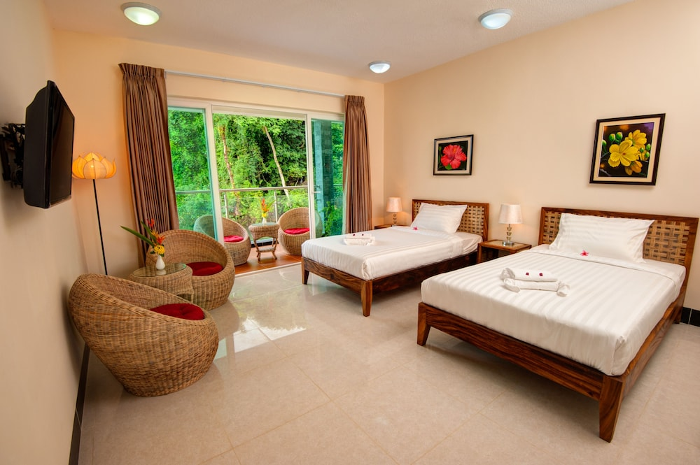 Tatai Resort  U0026 Marina  Koh Kong