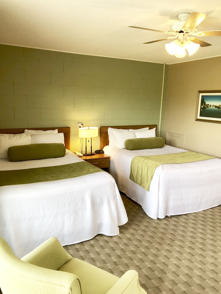 Room, Evangeline Inn & Motel