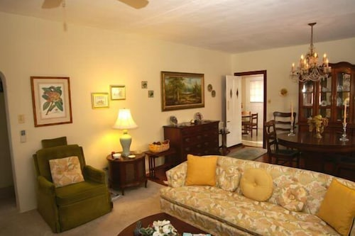 Living Room, Valley Cottages & Apartments