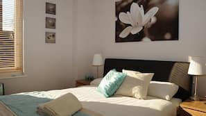 1 bedroom, iron/ironing board, cots/infant beds, free WiFi