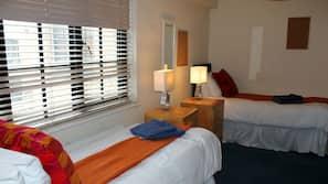 1 chambre, coffre-forts dans les chambres, fer et planche à repasser