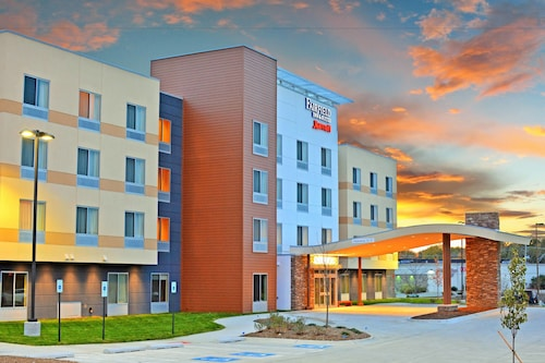 Great Place to stay Fairfield Inn & Suites Omaha Northwest near Omaha