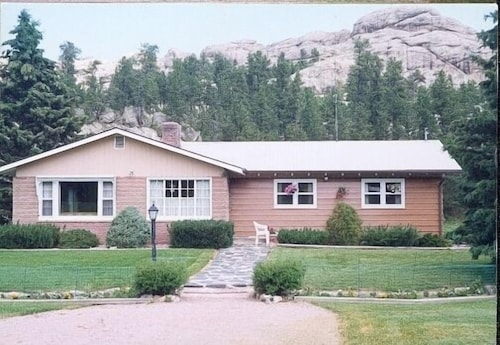 Great Place to stay El Dorado Ranch near Custer