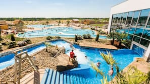 2 indoor pools, 2 outdoor pools, lifeguards on site