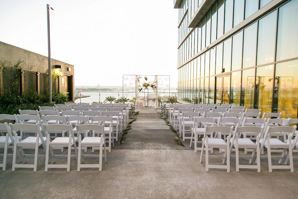 Outdoor Wedding Area, Springhill Suites San Diego Downtown/Bayfront