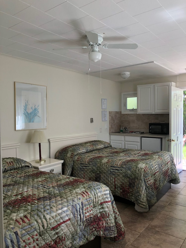 Room, Southold Beach Motel