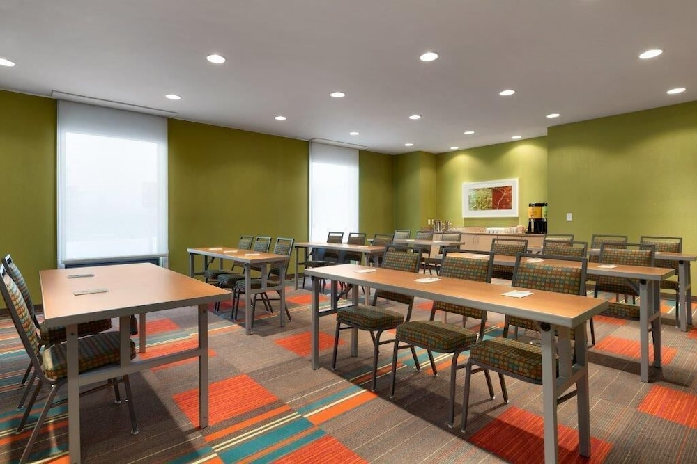 Meeting Facility, Home2 Suites by Hilton Champaign/Urbana