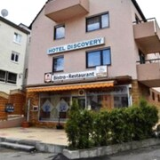 Stuttgart hotels near mercedes benz arena for Hotels close to mercedes benz stadium