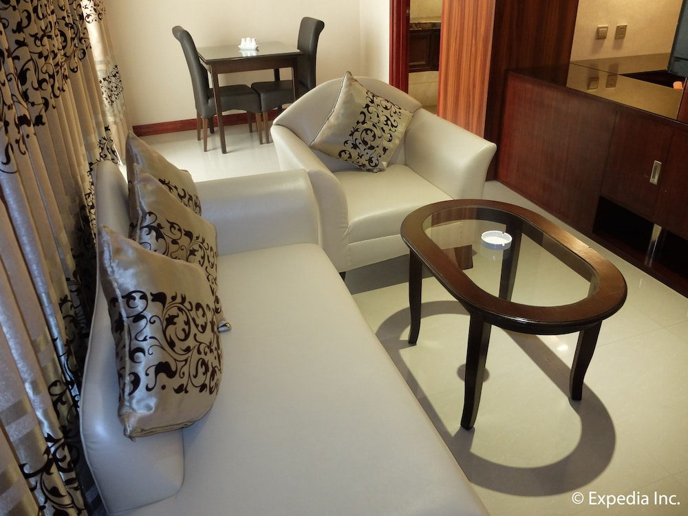 Living Area, Central Park Tower Resort