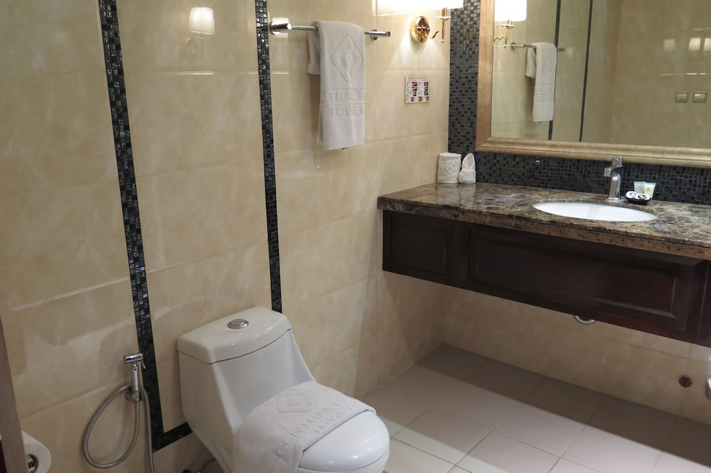 Bathroom, Central Park Tower Resort