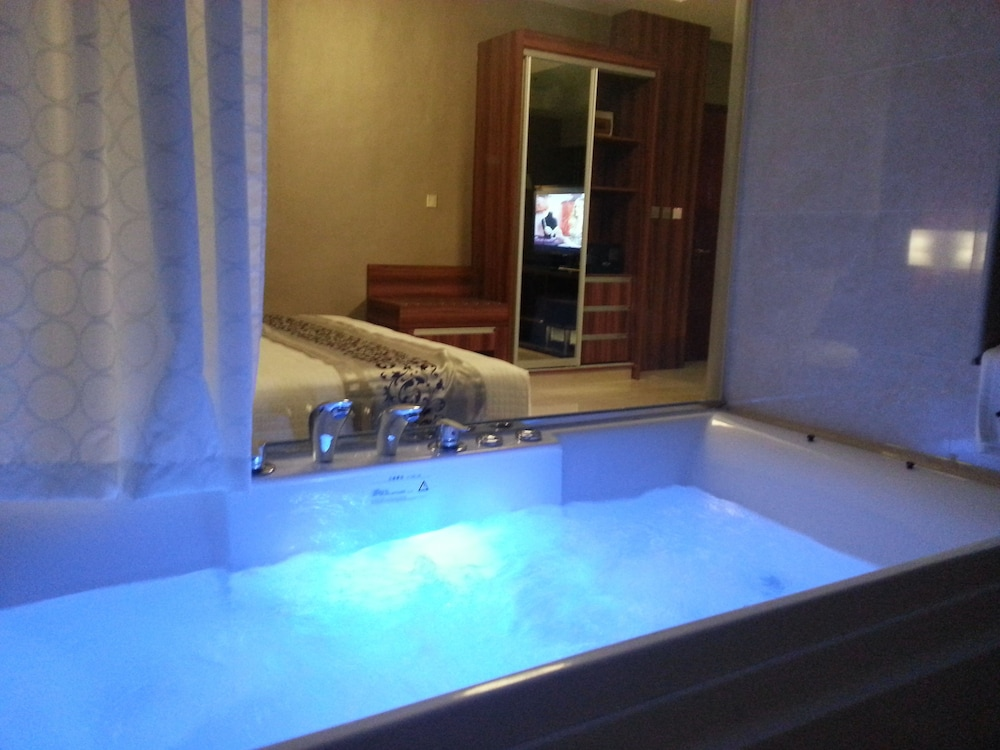 Jetted Tub, Central Park Tower Resort