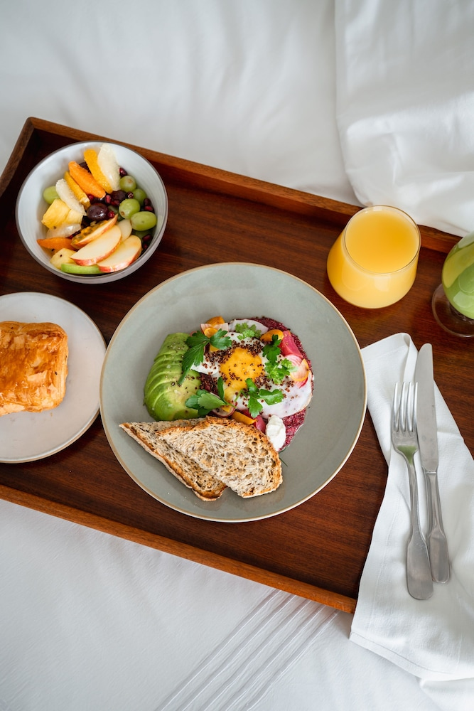 In-Room Dining, The Beekman, A Thompson Hotel