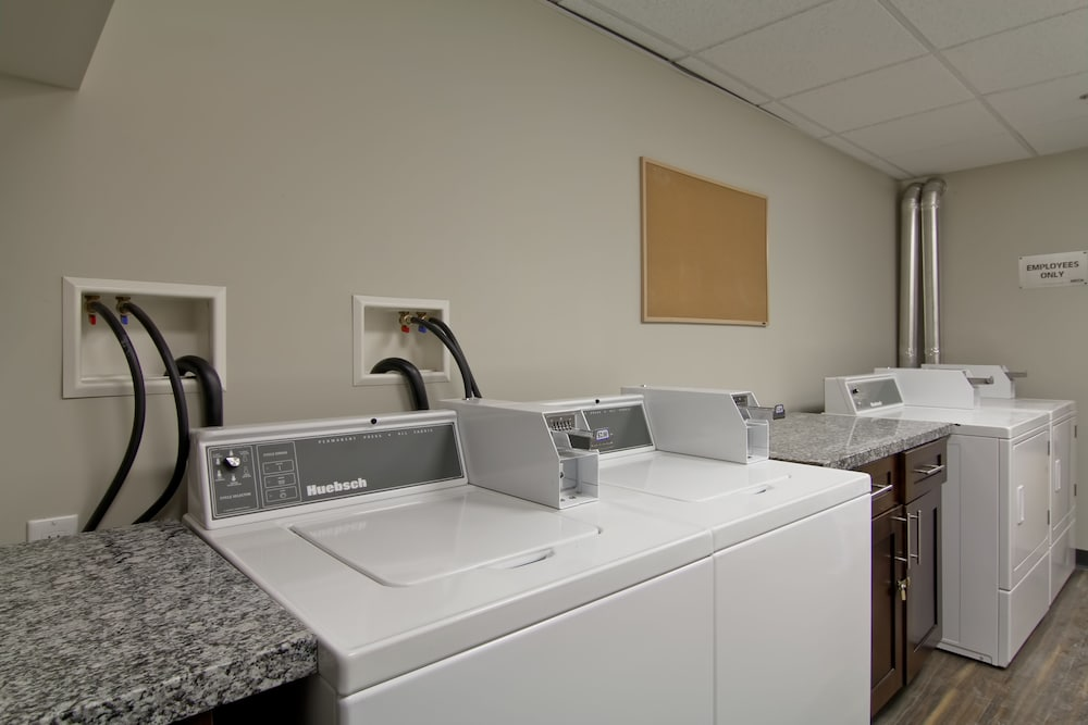 Laundry Room, Home Inn & Suites Saskatoon South