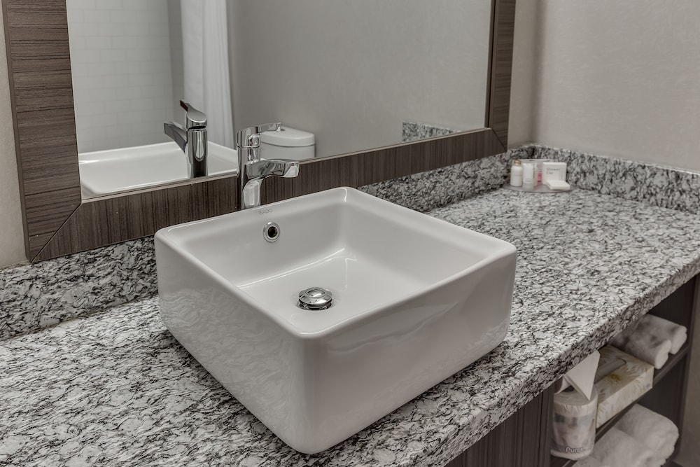 Bathroom Sink, Home Inn & Suites Saskatoon South
