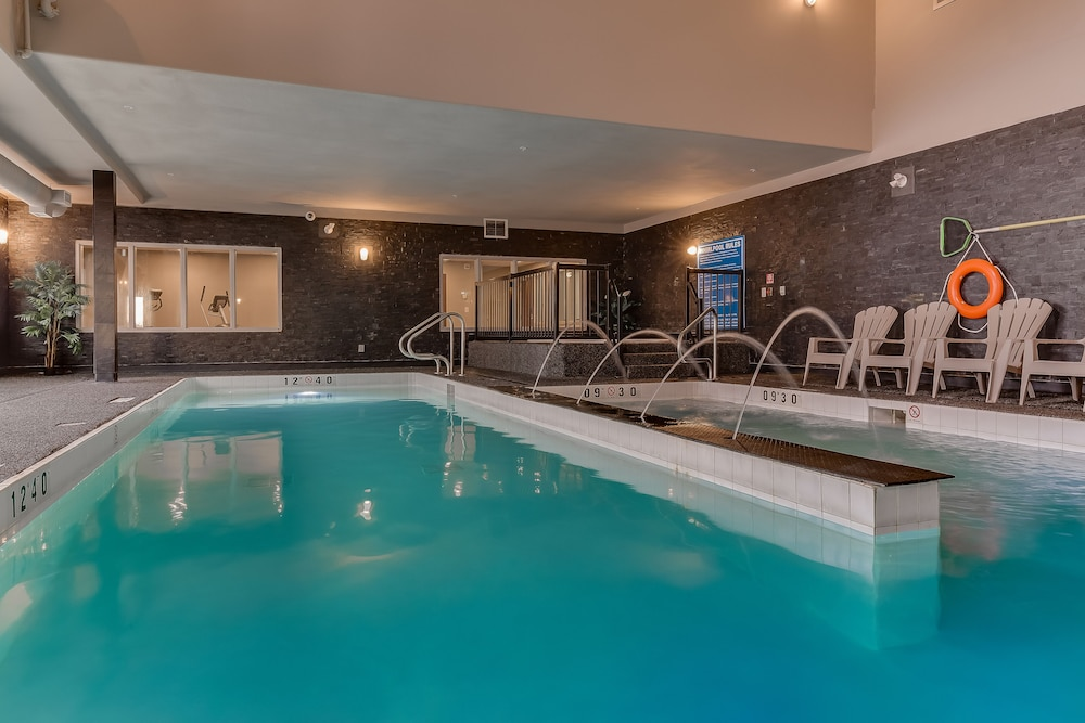 Pool, Home Inn & Suites Saskatoon South