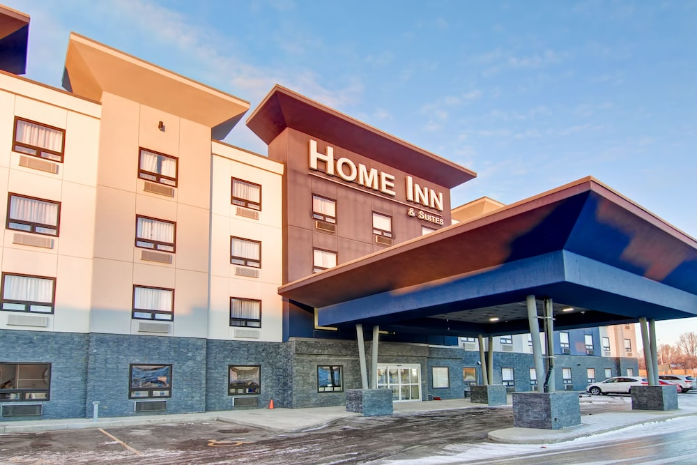 Front of Property, Home Inn & Suites Saskatoon South