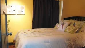 3 bedrooms, premium bedding, pillow top beds, individually decorated