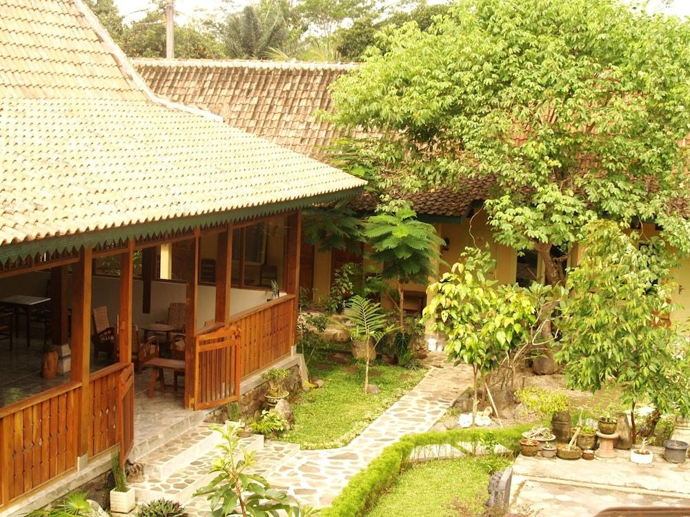 Mettaloka Guest House