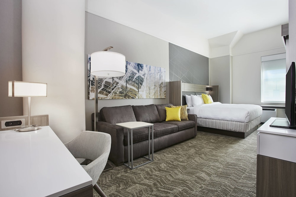 Room, SpringHill Suites by Marriott Milwaukee Downtown