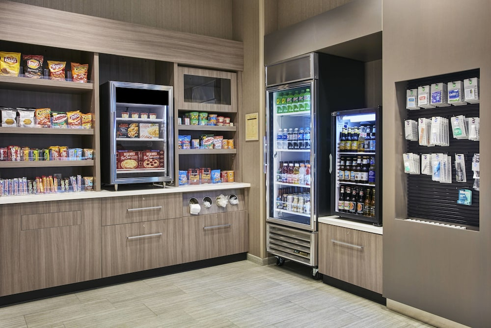 Gift Shop, SpringHill Suites by Marriott Milwaukee Downtown