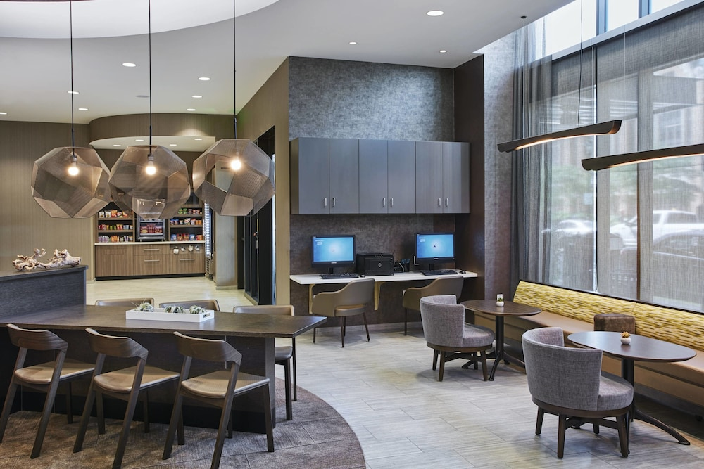 Lobby, SpringHill Suites by Marriott Milwaukee Downtown