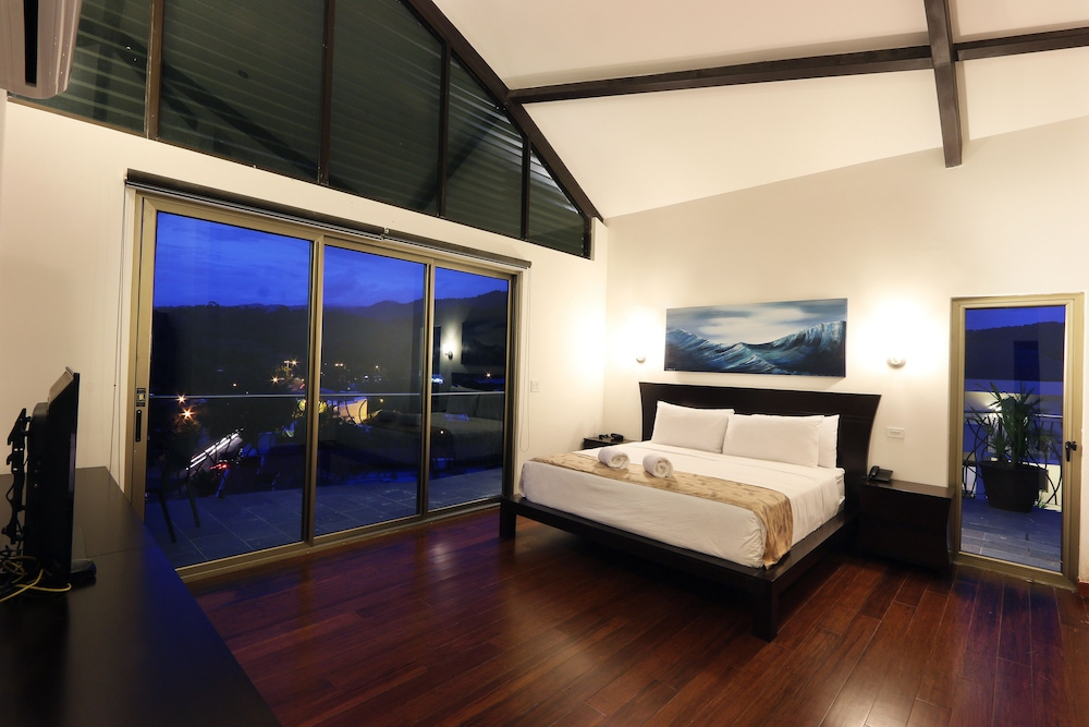 Sky Penthouses At Oceano Jaco: Sky Penthouses At Oceano: 2018 Room Prices $271, Deals