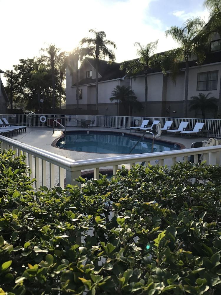 Doral Inn & Suites Miami Airport West In Miami