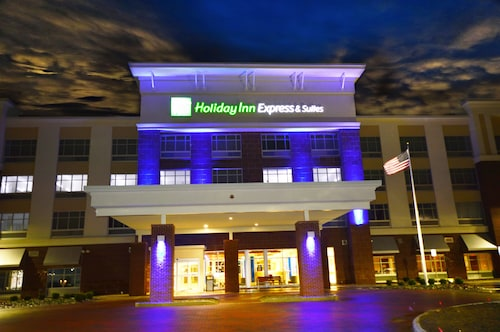 Holiday Inn Express & Suites Toledo South - Perrysburg, an IHG Hotel