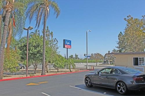 Great Place to stay Royla Motel near Pomona