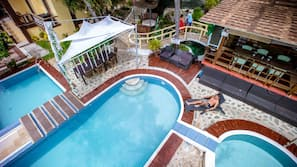 2 outdoor pools, free pool cabanas, pool umbrellas