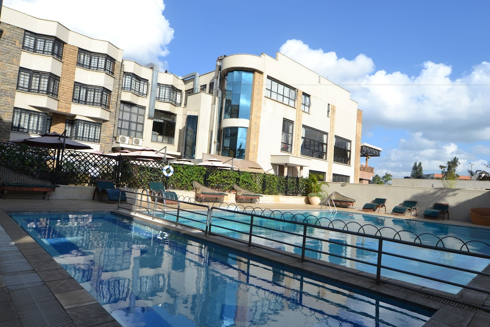 Outdoor Pool, Weston Hotel