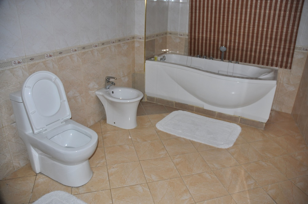Bathroom, Weston Hotel