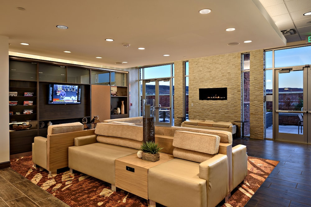 Lobby, Holiday Inn St. George Conv Ctr, an IHG Hotel