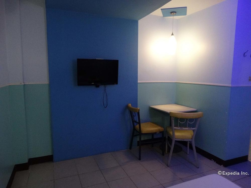 Hotel  Quiapo Room Rates