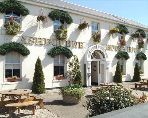 Ashbourne Castle: Castle Hotels near Ashbourne from 65