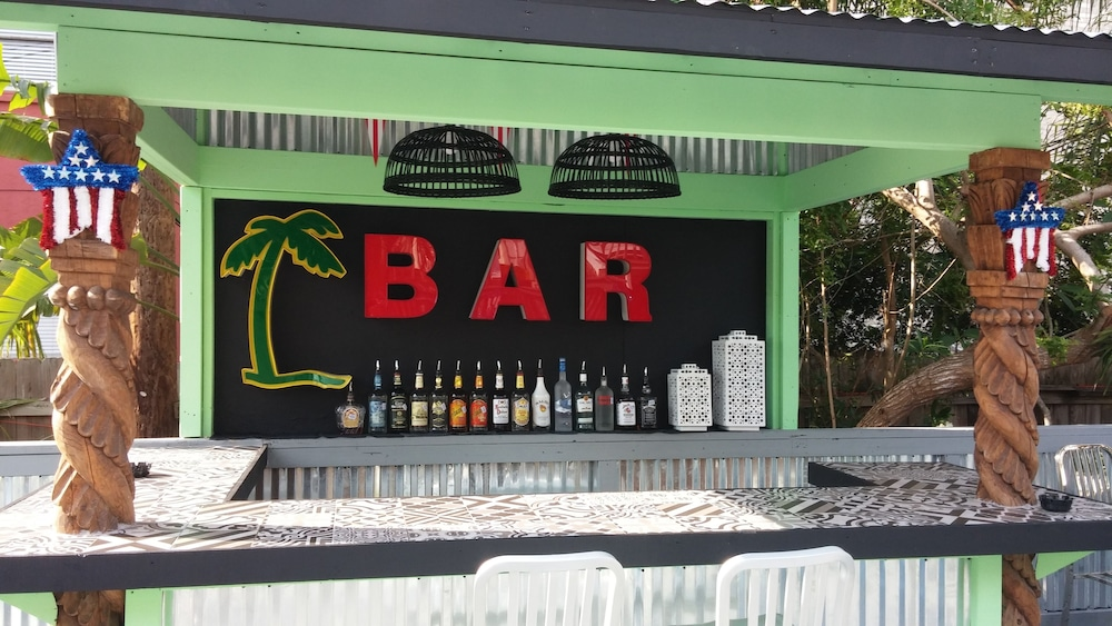 Bar, Upper Deck Hotel and Bar -Adults Only