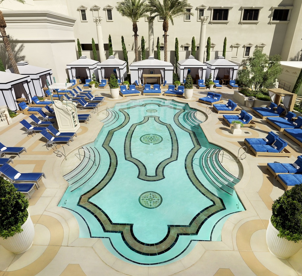 Outdoor Pool, Caesars Suites at Caesars Palace