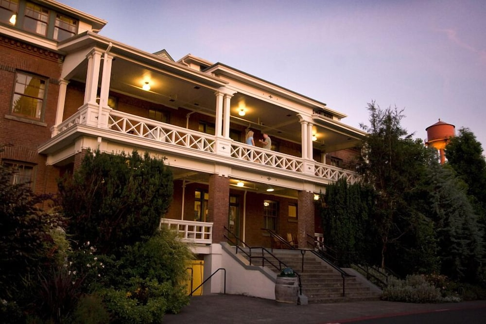 Front of Property - Evening/Night, McMenamins Edgefield